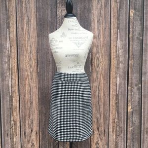 Talbots houndstooth lined pencil skirt